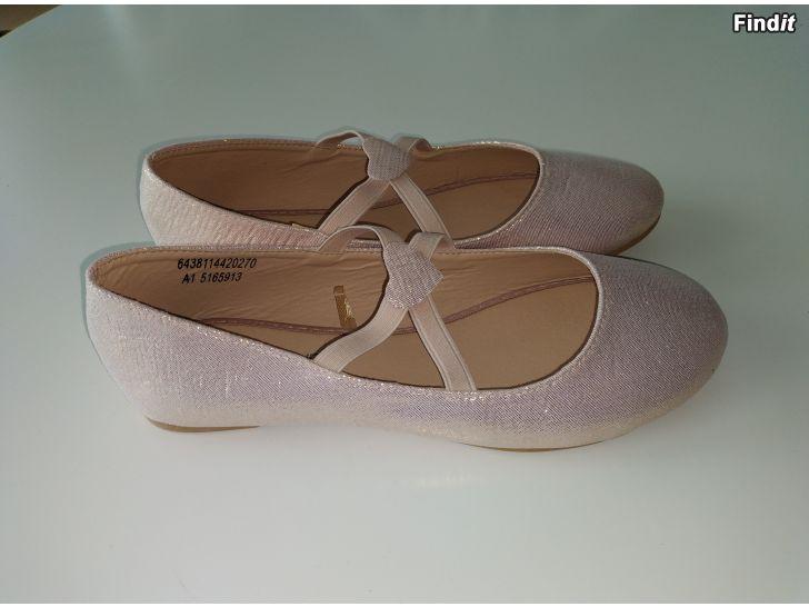 Säljes Söta fin skor 2