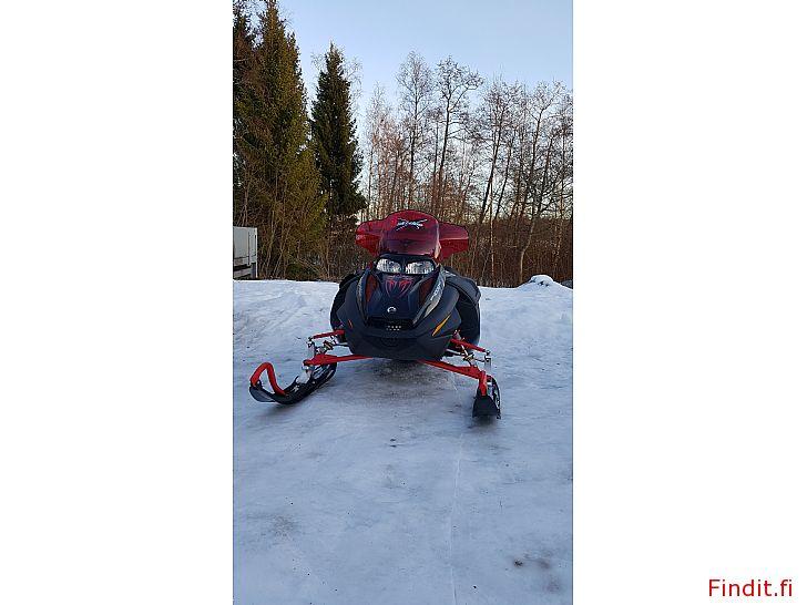 Myydään Ski-doo Mach Z 1000 sdi 1900km