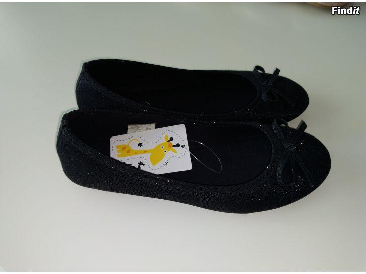 Säljes Söta fin skor 4
