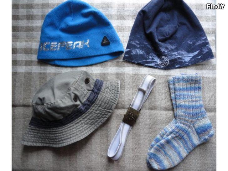 Myydään Pojalle 4 - 6 v lakki, pipot, sukat, vyö