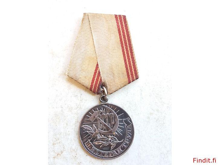 Myydään Neukkulan aikainen kunniamitali