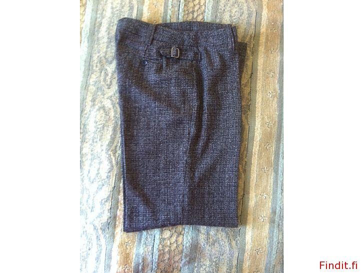 Myydään Käyttämättömät housut