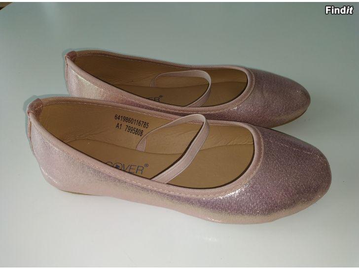 Säljes Söta fin skor 1