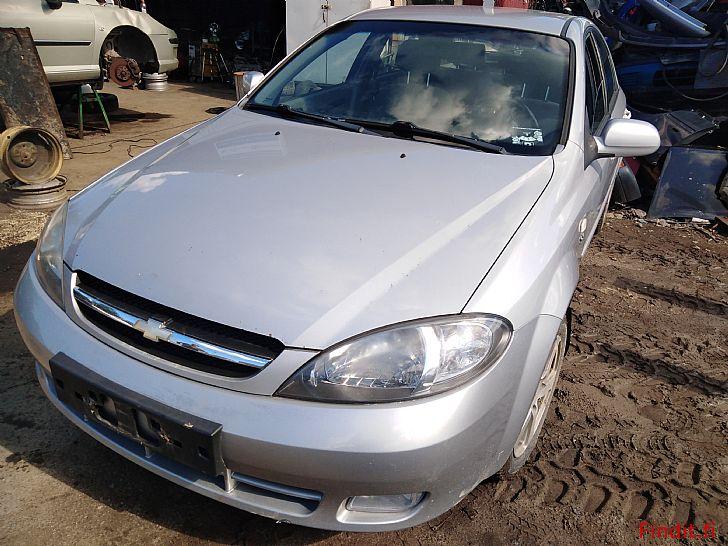 Myydään Chevrolet Lacetti 1,6 manuaali 2007 varaosina