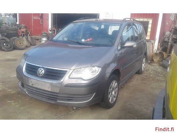 Myydään Volkswagen Touran MPV 1,9 Tdi automaatti 2007 ja pensa manuaali 2006 varaosina