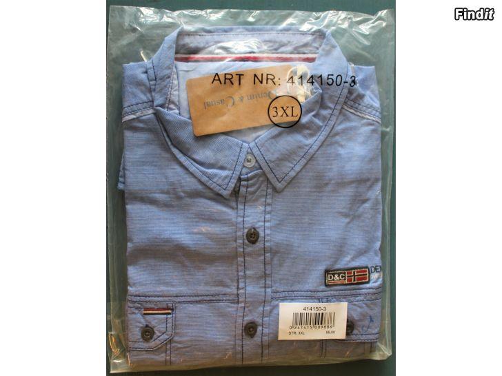 Säljes Ny Denim  Casual Team -skjorta i originalförpackning. Oöppnad
