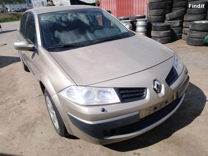 Myydään Renault Megane 1,6 manuaali 2006 varaosina