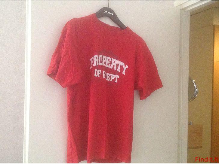 Myydään Nuorten T-paitoja, M-koko, yhd. tai erikseen