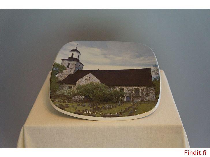 Säljes Arabia samlartallrik Kimito kyrka 1987