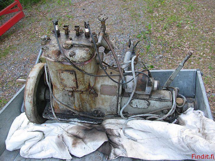 Myydään 2-sylinterinen Wickström moottori