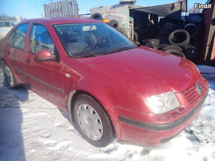 Myydään VW Bora 1,6 16V 2001 varaosina