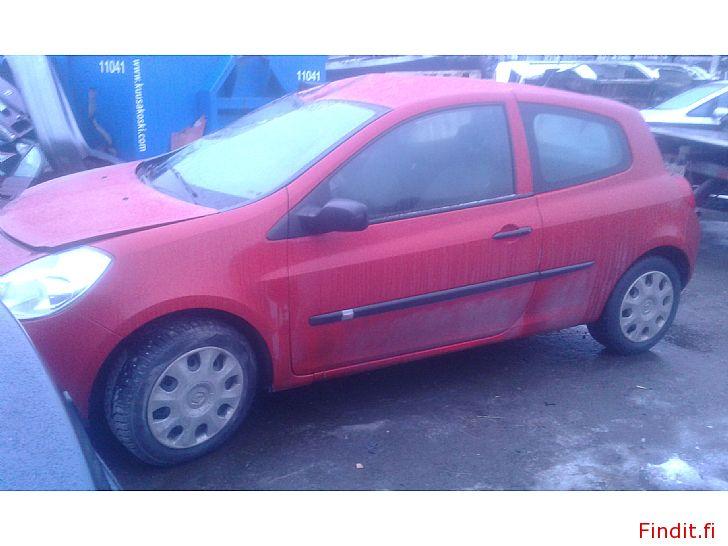 Myydään Renault Clio 2D 1,2 16 V 2006 varaosina