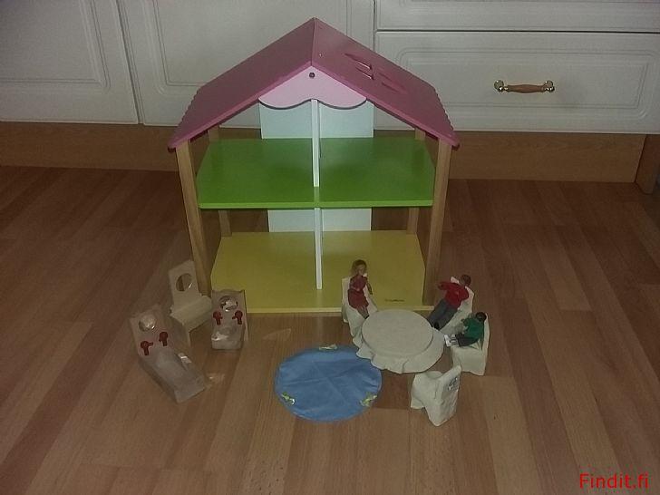 Myydään Nukkekoti Eichhorn -nukkeperhe - puuhuonekalut