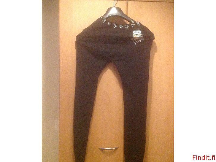 Myydään ViiviWagner, poikien pitkät alushousut, koko S