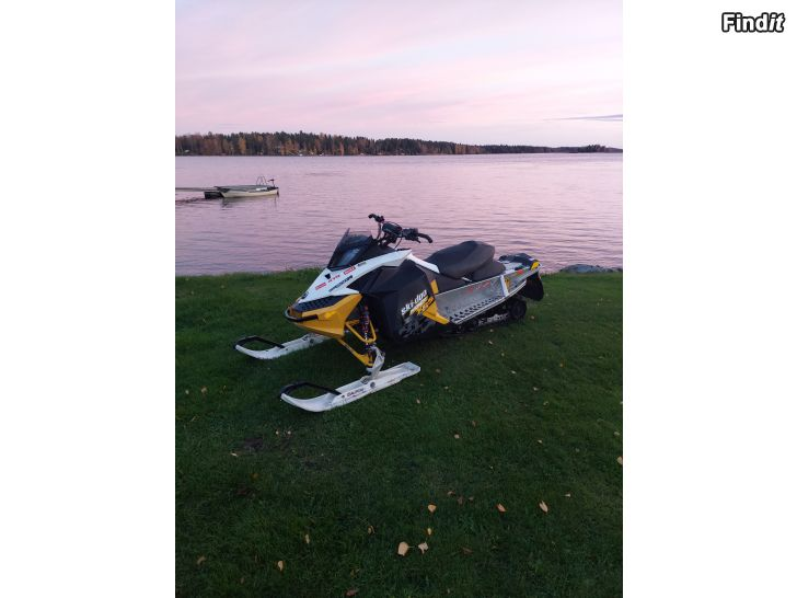 Säljes Ski-Doo mxz X-RS 800 2010