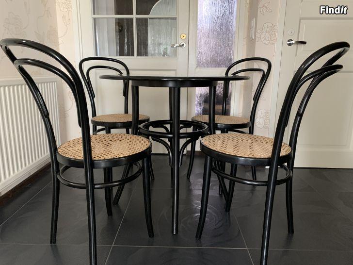 Myydään Thonet tuolit ja pöytä ZPM Radomsko