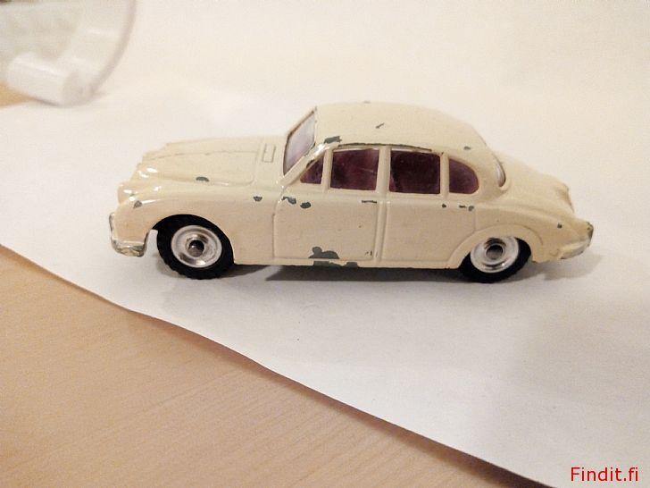 Myydään Dinky Toys-1960, 195. Jaguar 3.4 Litre MKII. Vintage