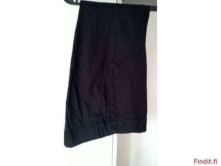 Myydään Mustat housut, käyttämättömät, koko 38