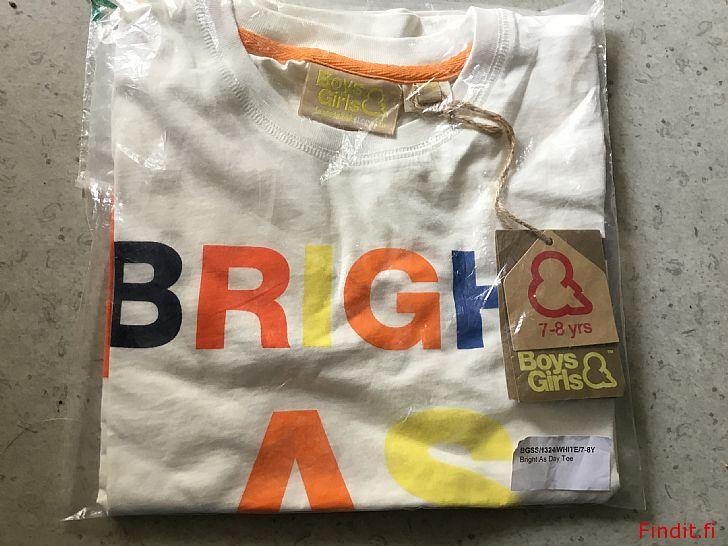Myydään Lasten T-paita, 7-8v, paketissa