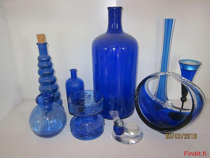 Säljes Säljes olika glas föremål i blått