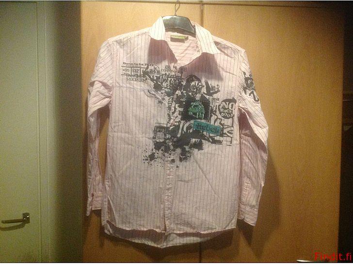 Myydään Poikien paitapuserot, 160 ja 164cm yhd.tai erikseen