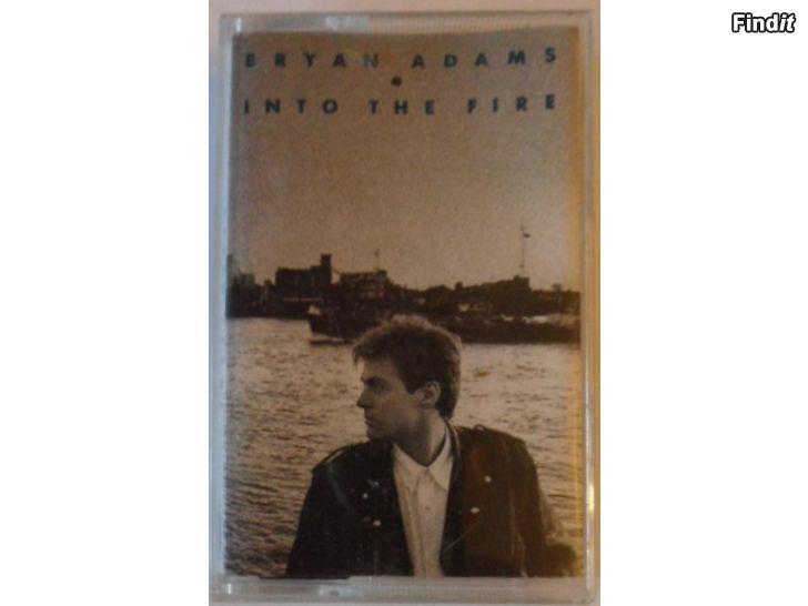 Säljes Bryan Adams, Into The Fire. Kassett