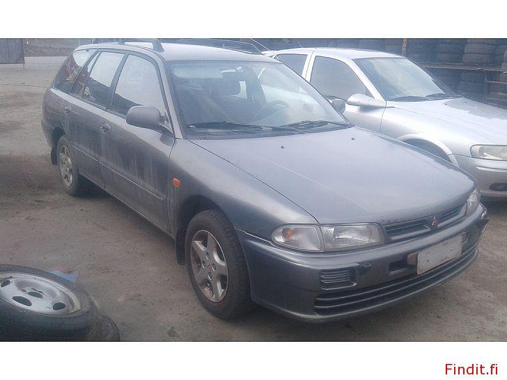 Myydään Mitsubishi Lancer 1,6 farmari manuaali 2000 osina/kokonaan