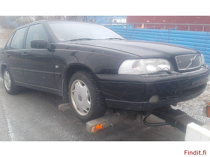 Myydään Volvo S 70 2,5 20 V 1999 varaosina