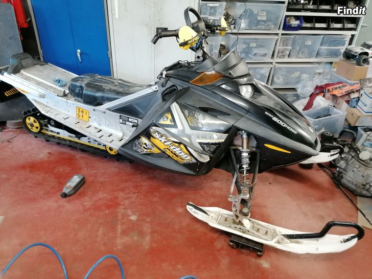 Säljes Ski doo Renegade 600sdi 07 skrotad