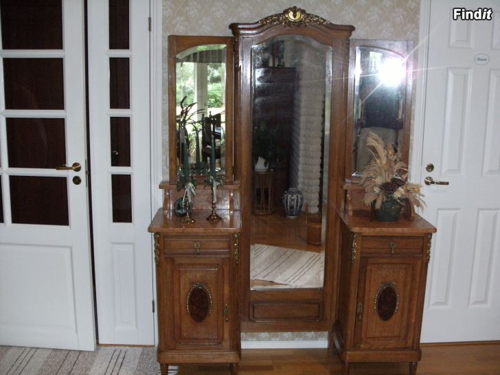 Antikt spegelskåp 1829