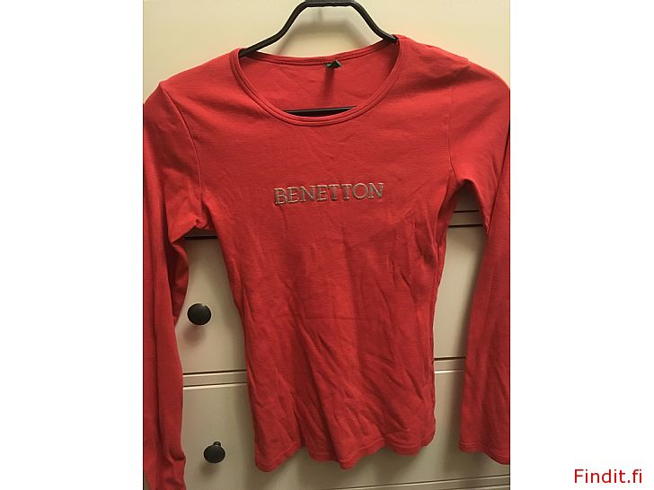 Myydään Mukava Benetton paita 36