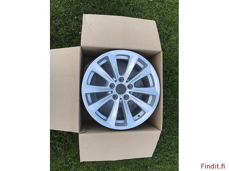 Säljes Ny BMW aluminiumfälg 8x17