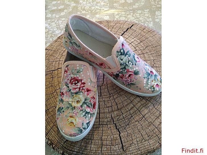Säljes Tyg skor och kängor storlek 34