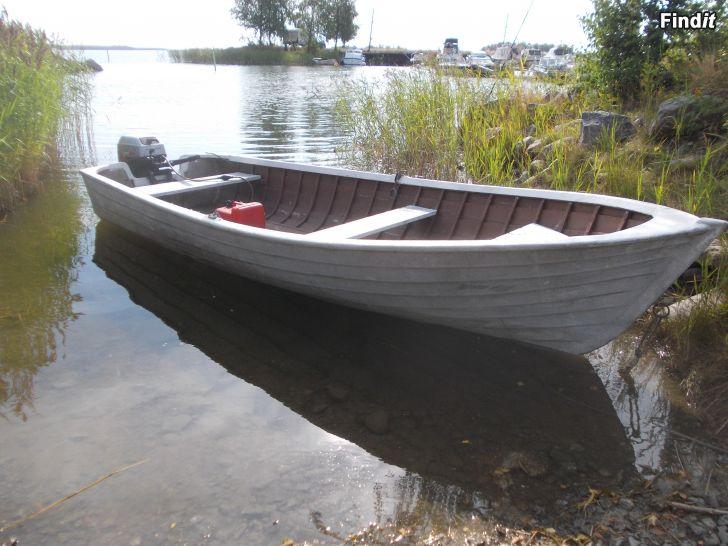 Trä/glasfiber båt
