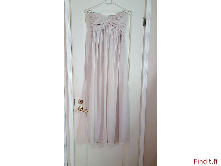 Säljes Långklänning